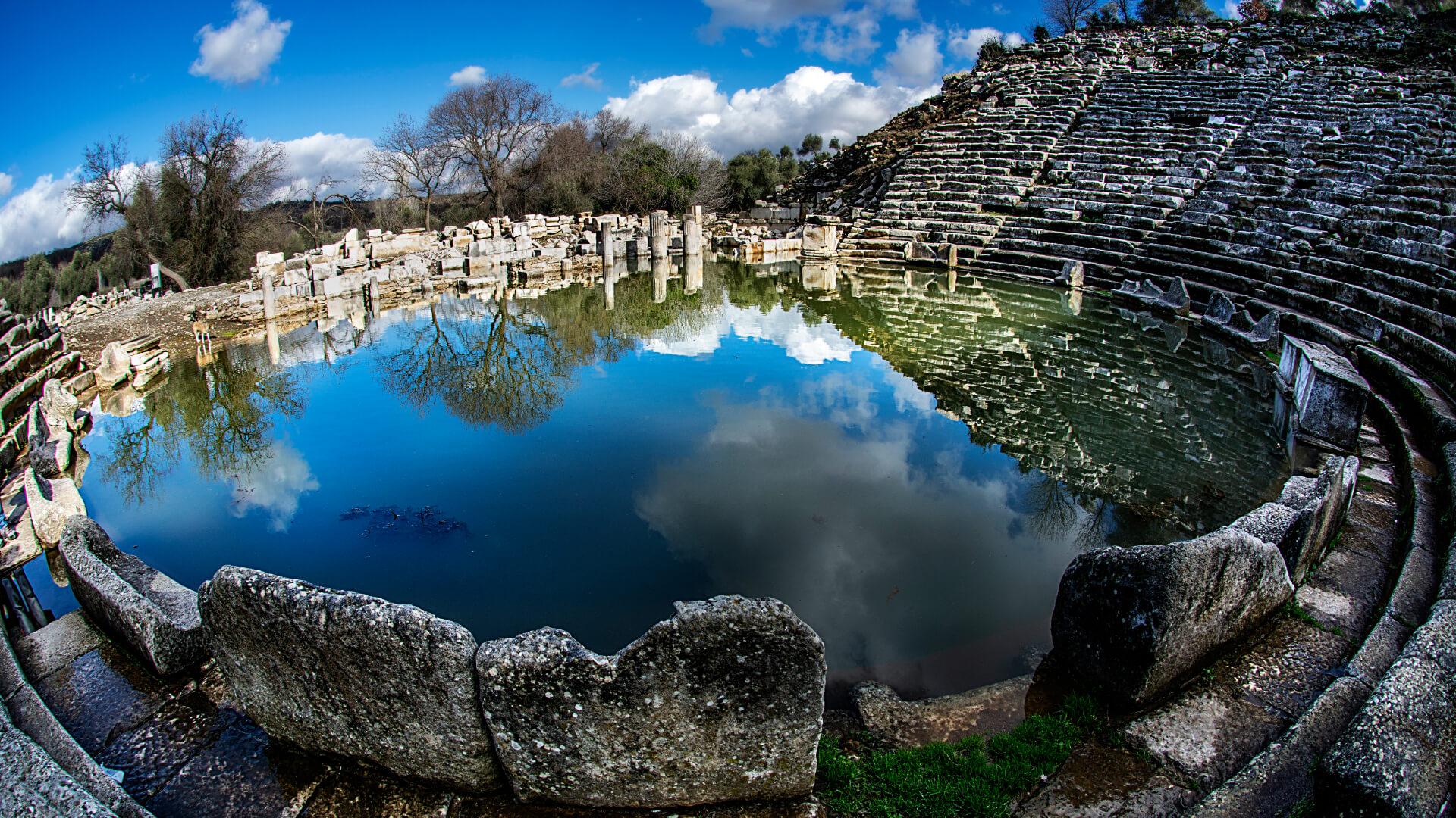 Tarih Boyunca Uygarlıklara Ev Sahipliği Yapan Stratonikeia Antik Kenti