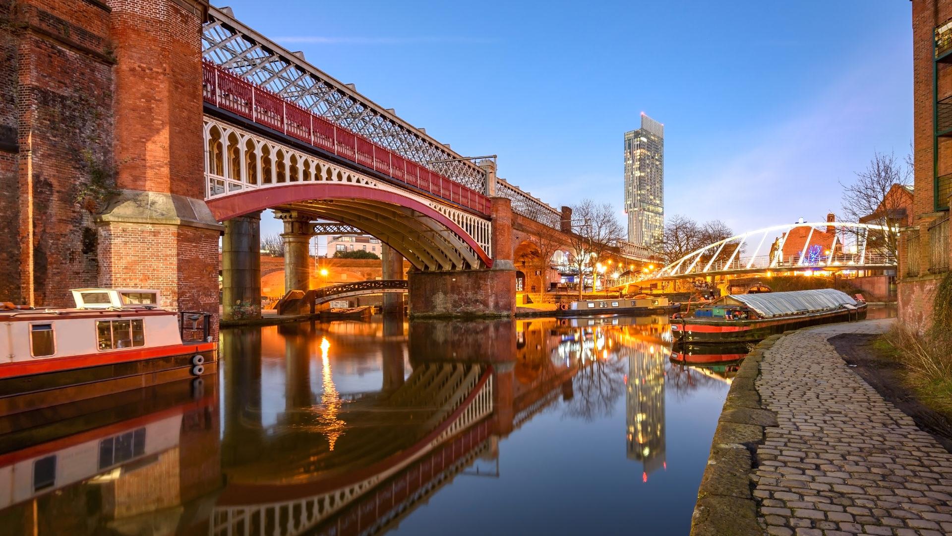 Manchester'da Sıra Dışı Hareketler