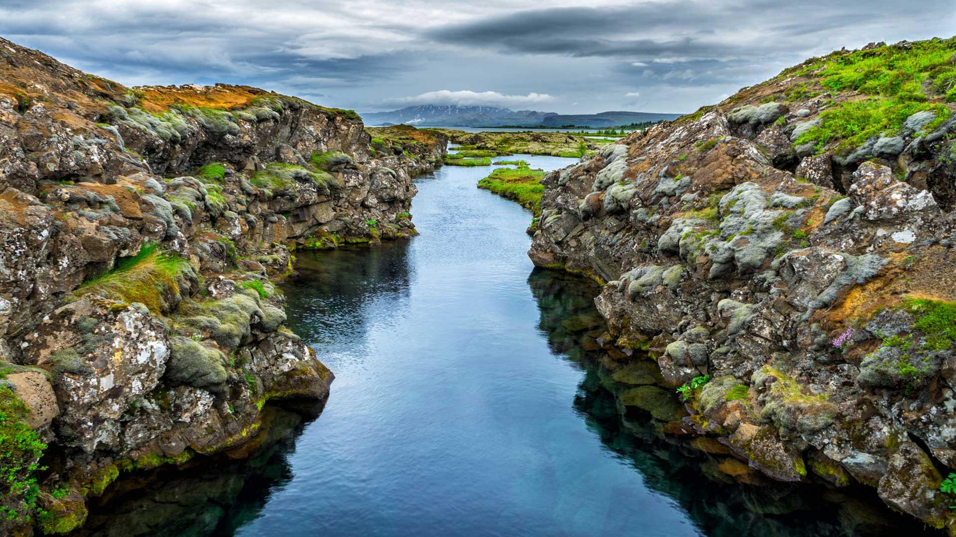 İzlanda'da Dalmak mı Dediniz? Silfra Sizi Bekliyor!