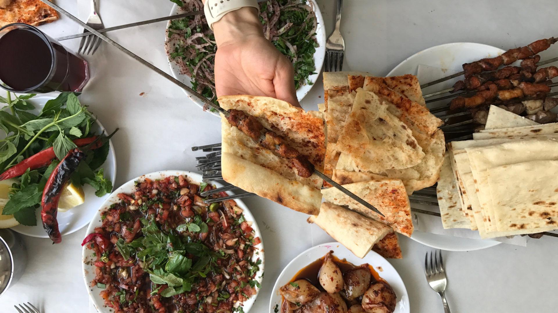 Adana, Gaziantep, Hatay: Adım Adım Saatlik Önerilerle Yeme-İçme Rehberi