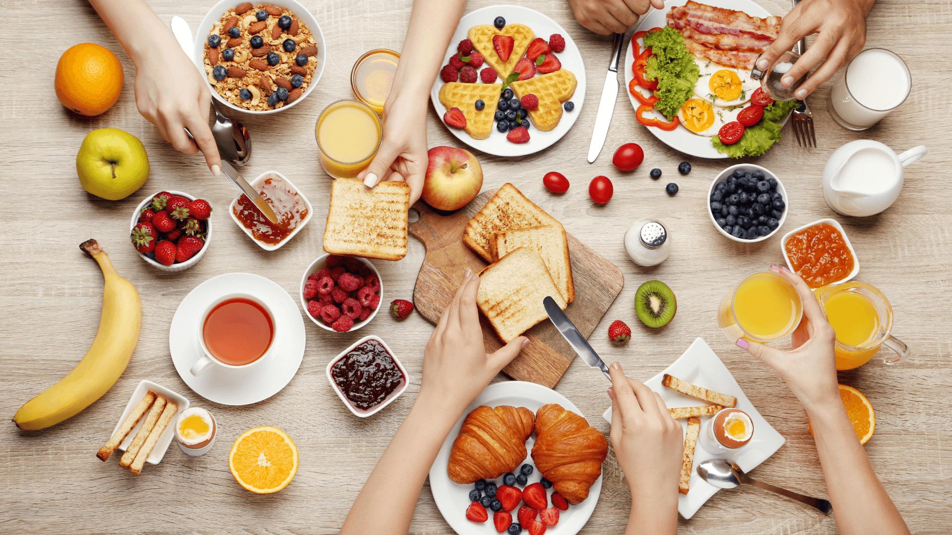 Kimler Kahvaltıda Neler Yiyormuş?