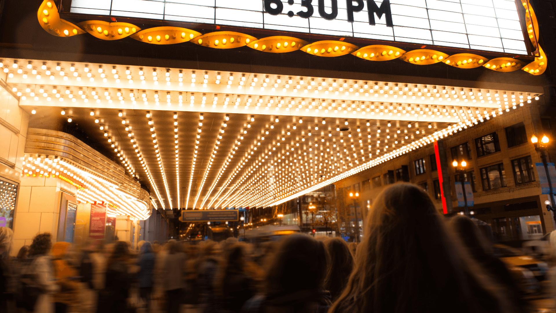 Filmlerin Ötesine Geçen Salonları