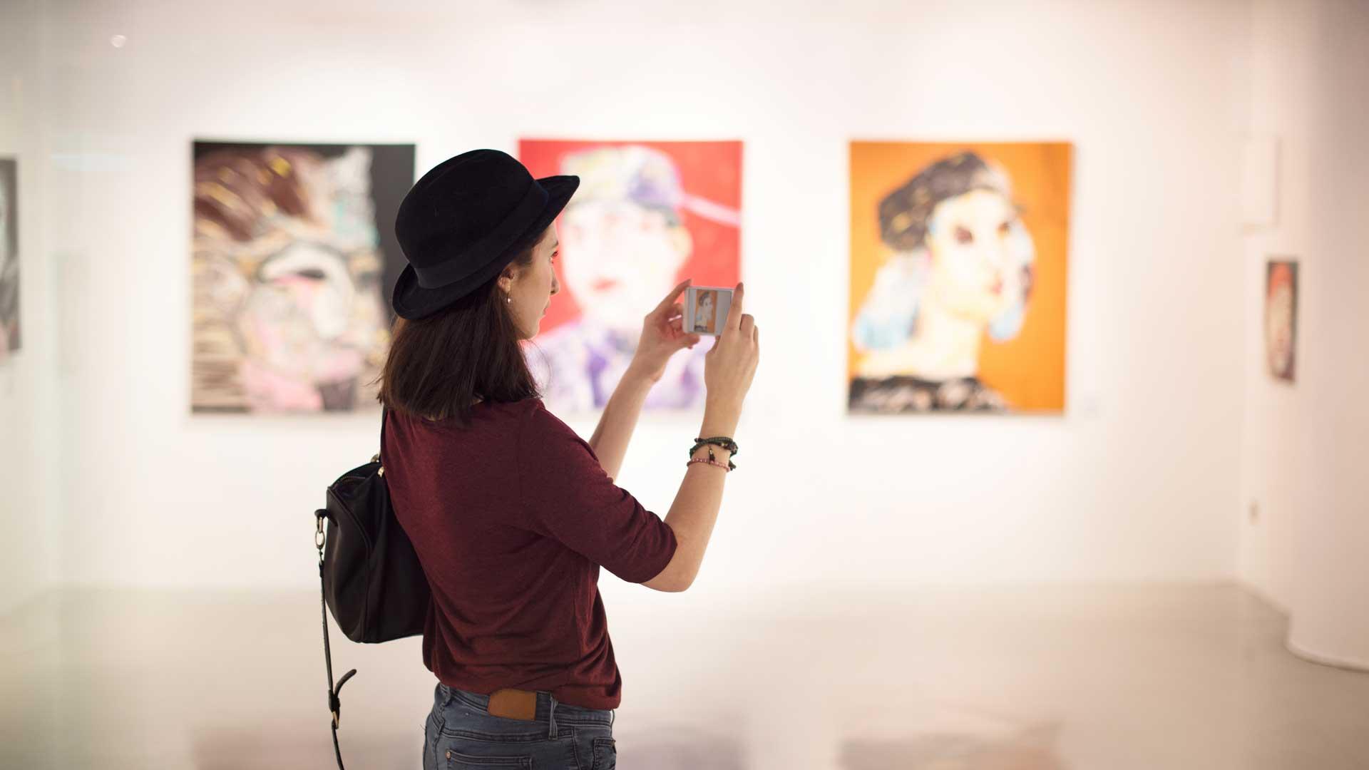 Londra'dan Dopdolu Programlarıyla Sanat Galerileri