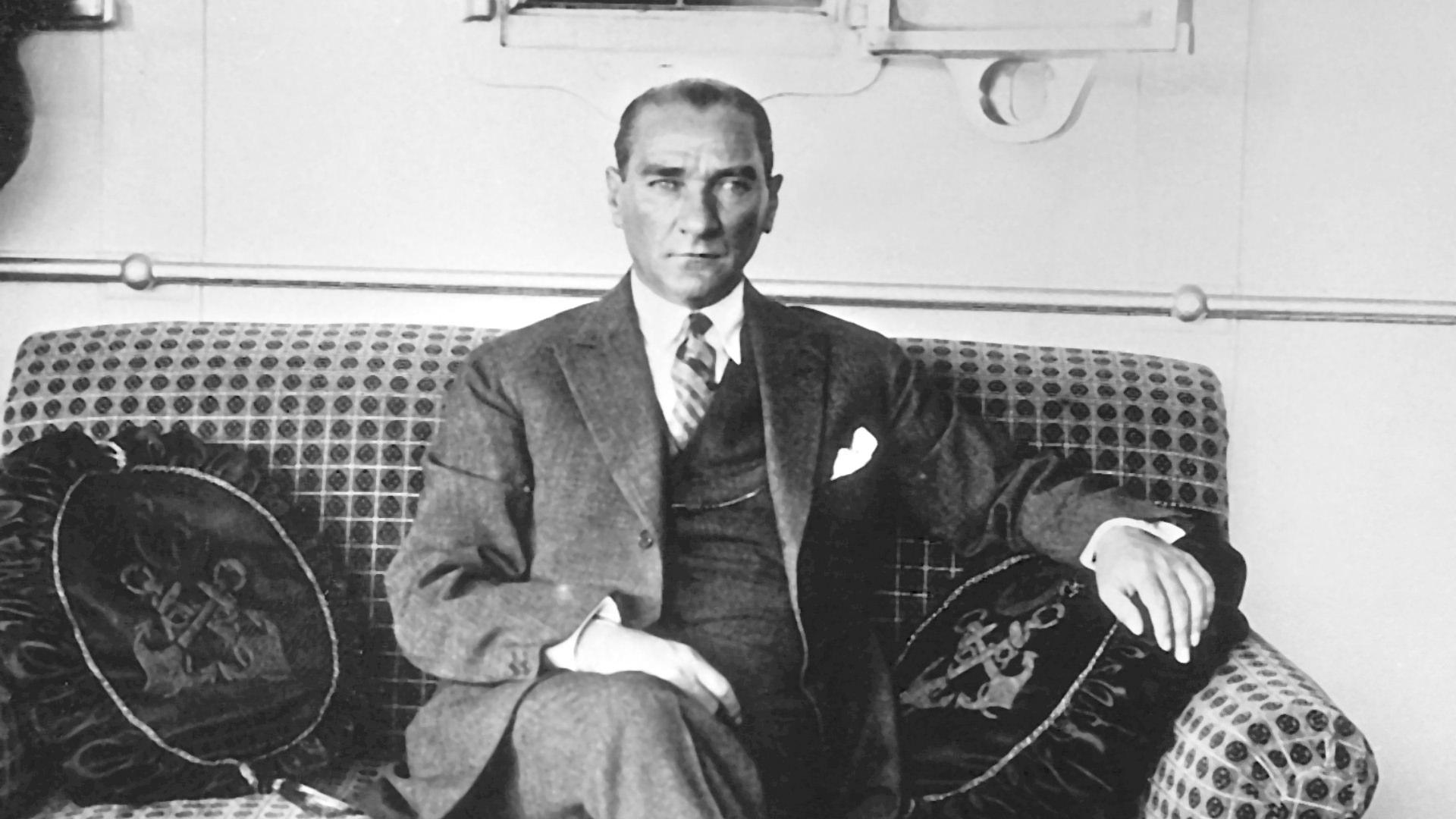 Atatürk'ün Son Günlerinin Tanığı; Dolmabahçe Sarayı