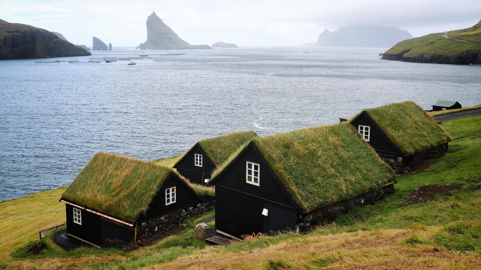 Çim Çatılı Evleriyle Faroe Adaları