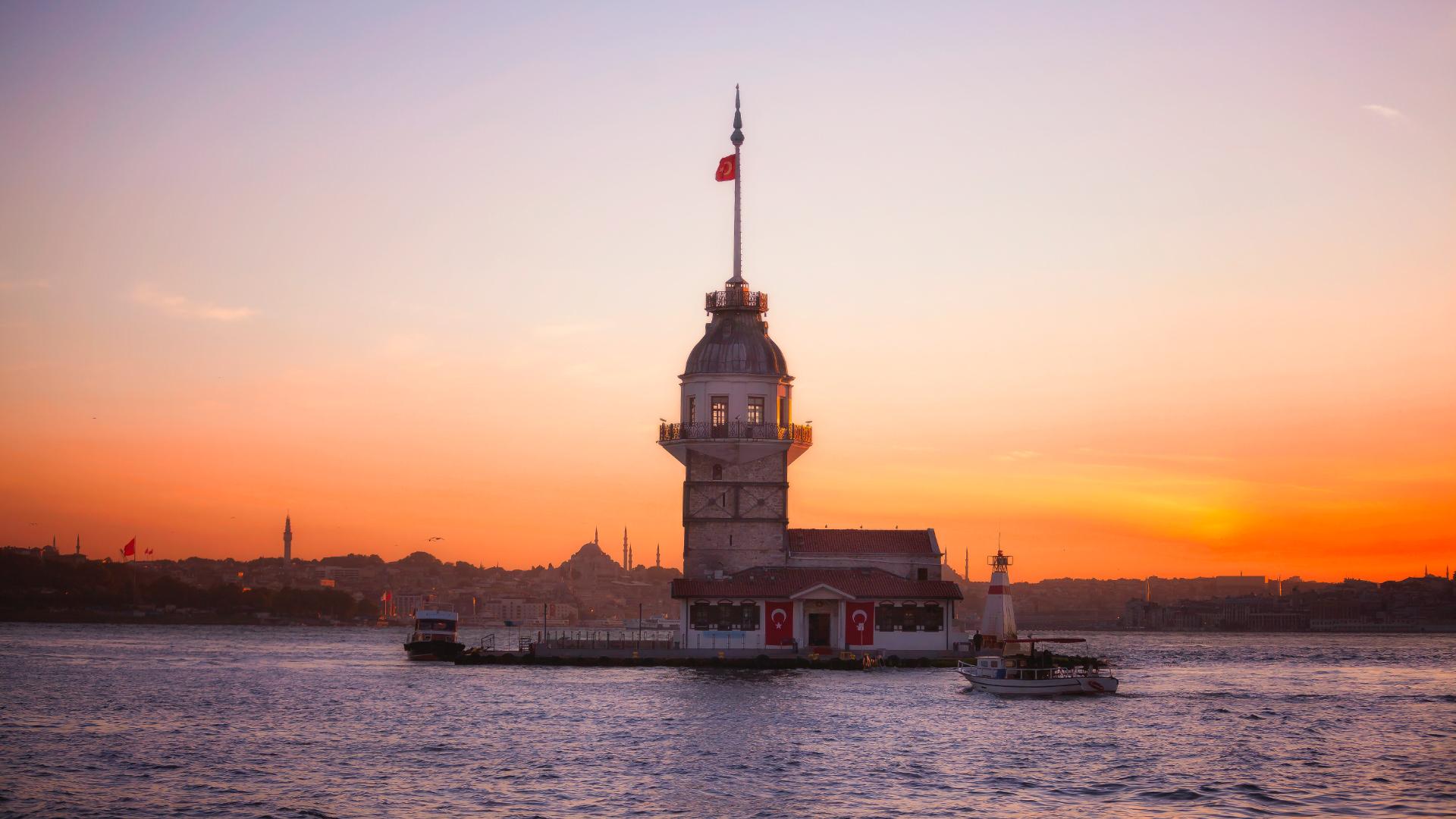 İstanbul'un Simgeleri: Sultanahmet Camii, Ayasofya, Kız Kulesi