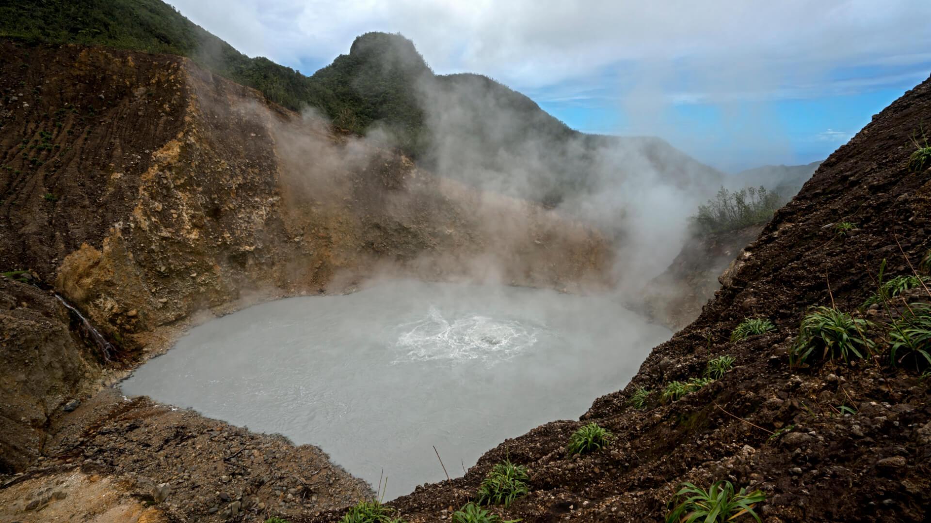 Doğanın Fokurdayan Kazanı; Boiling Lake