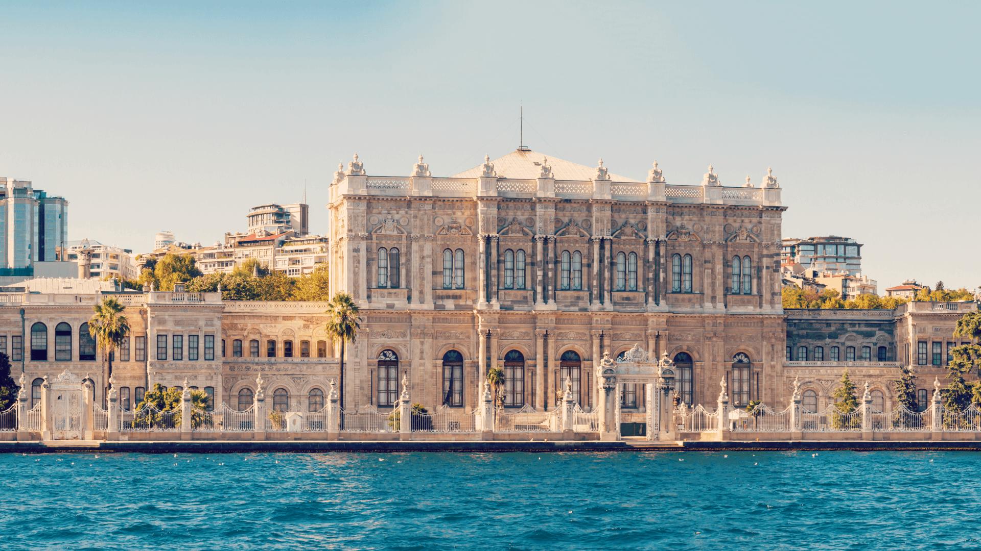 Dolmabahçe Sarayı'nda Denizin Sessiz Fırtınası; Ayvazovski
