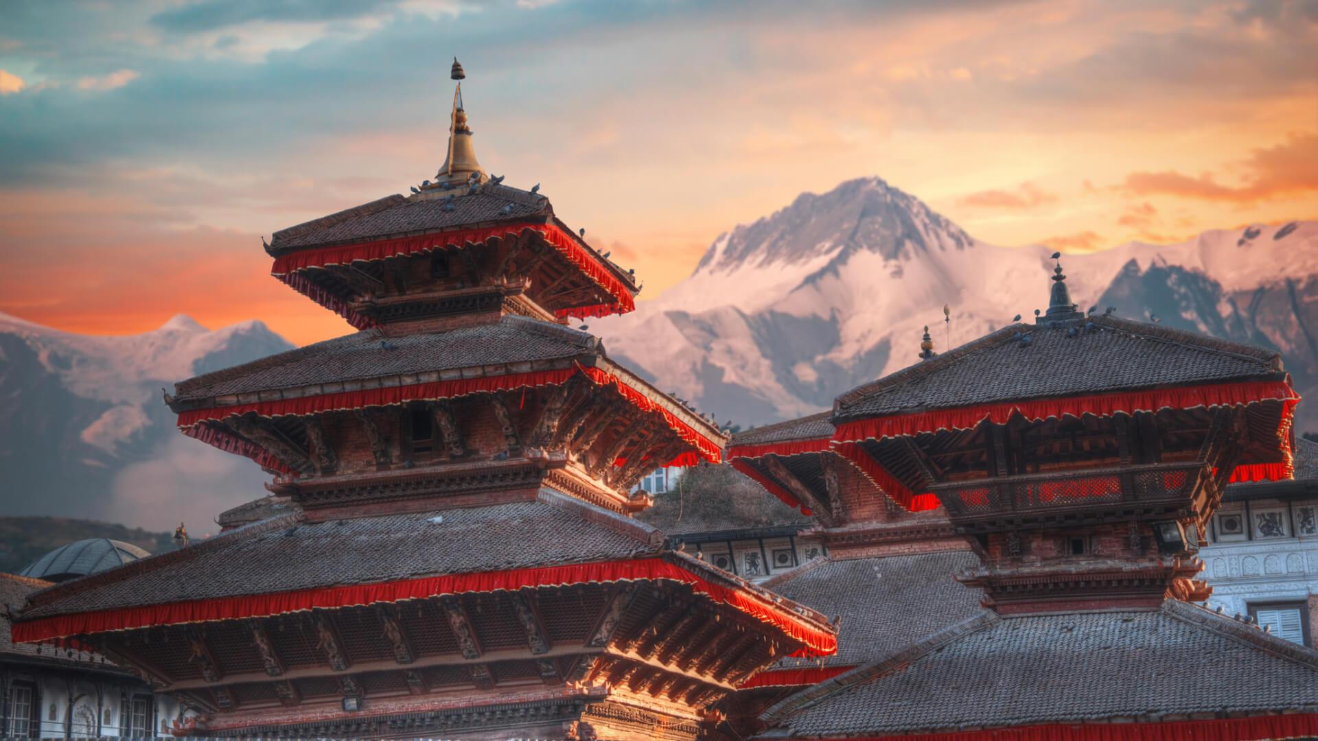 Güler Yüzlü İnsanların Ülkesine Yolculuk: Nepal