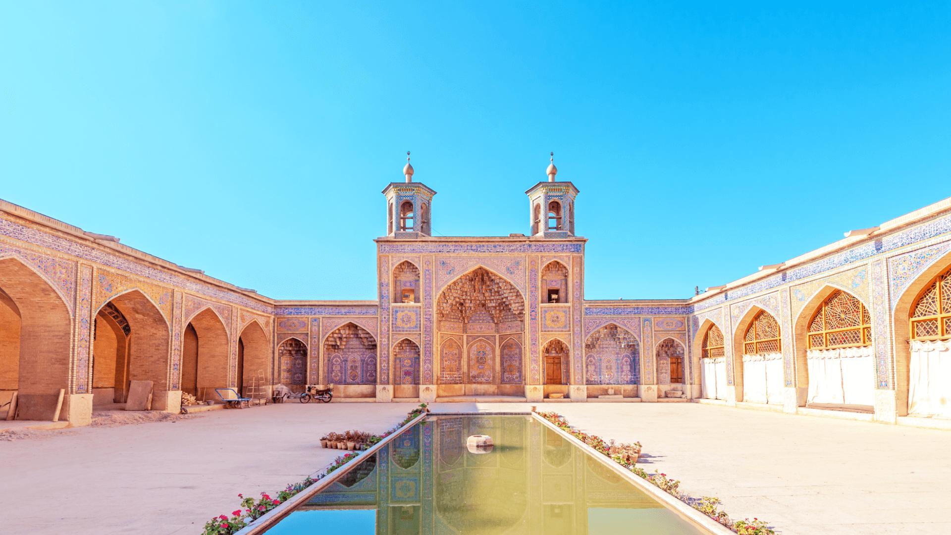 İçinde Gökkuşağını Saklayan Zarafet, Nasir ol-Molk Camisi, Şiraz, İran