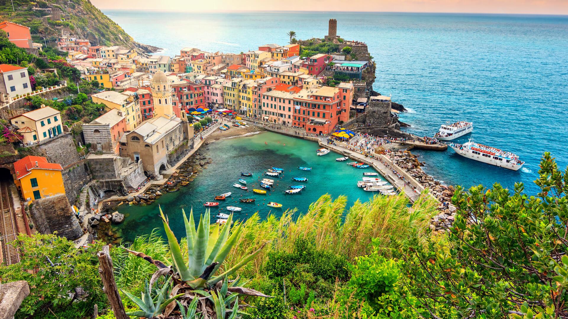 İtalya'nın Masalsı Köyleri: Cinque Terre'ye Yolculuk