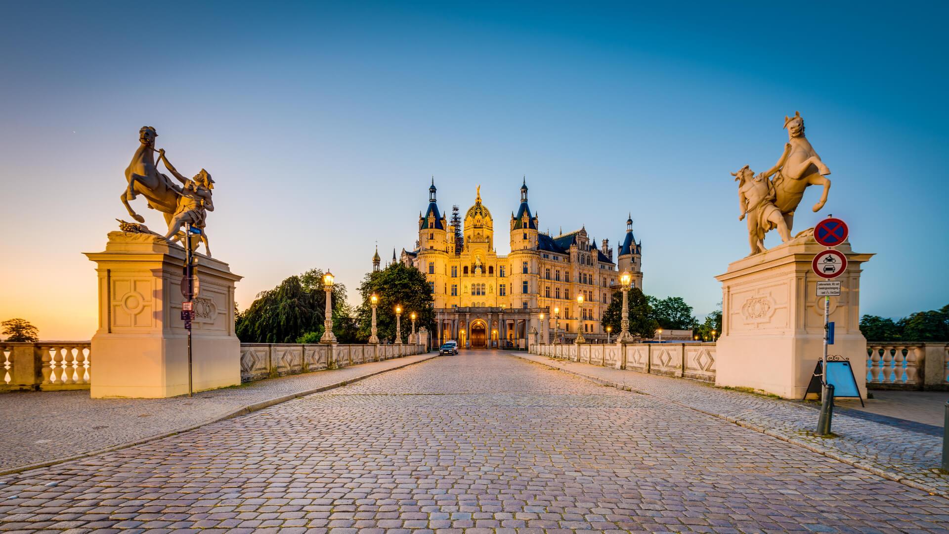 Kuzey Almanya'nın Gizli Kalmış Masalsı Şehri: Schwerin