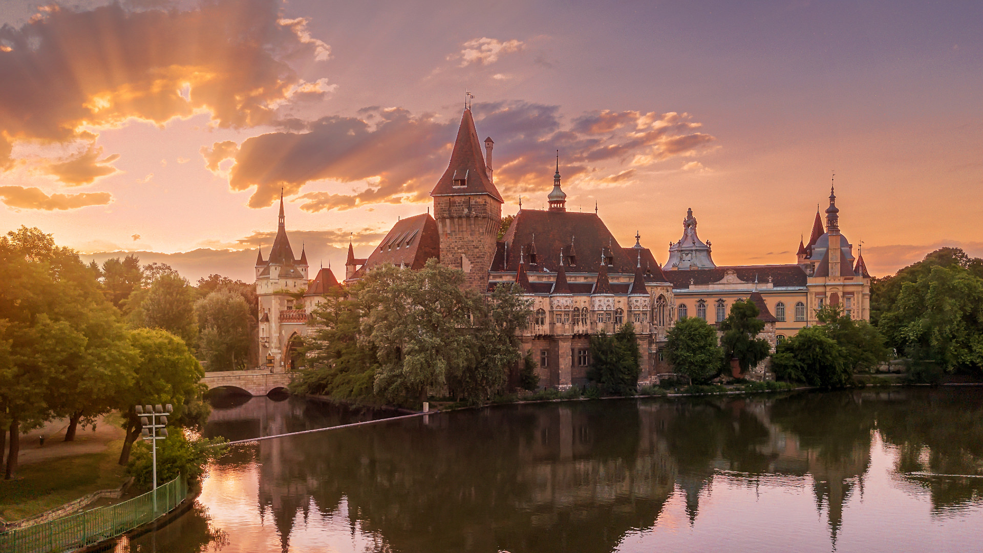 Macaristan'ın Gizli Kalesi Vajdahunyad | Seturday
