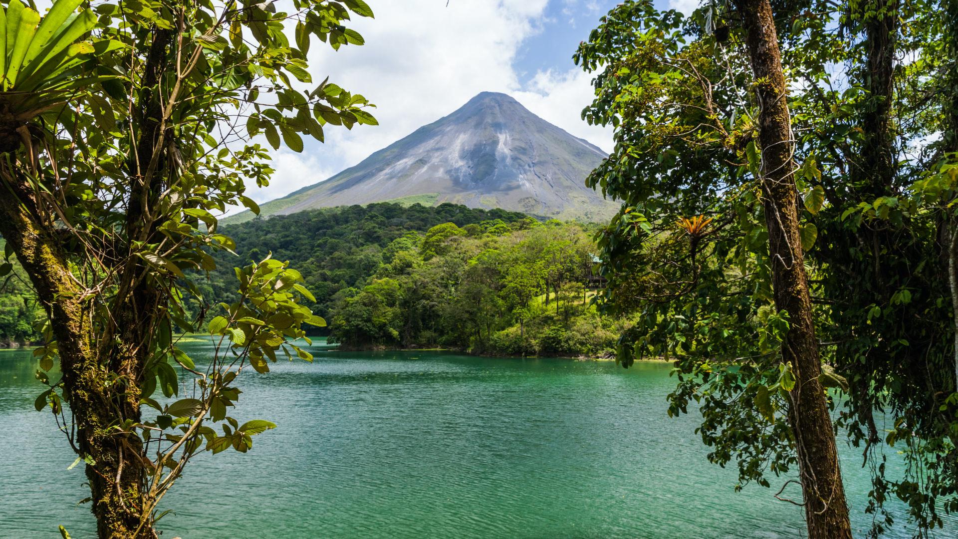 Orta Amerika'nın Mutlu Ülkesi; Kosta Rika