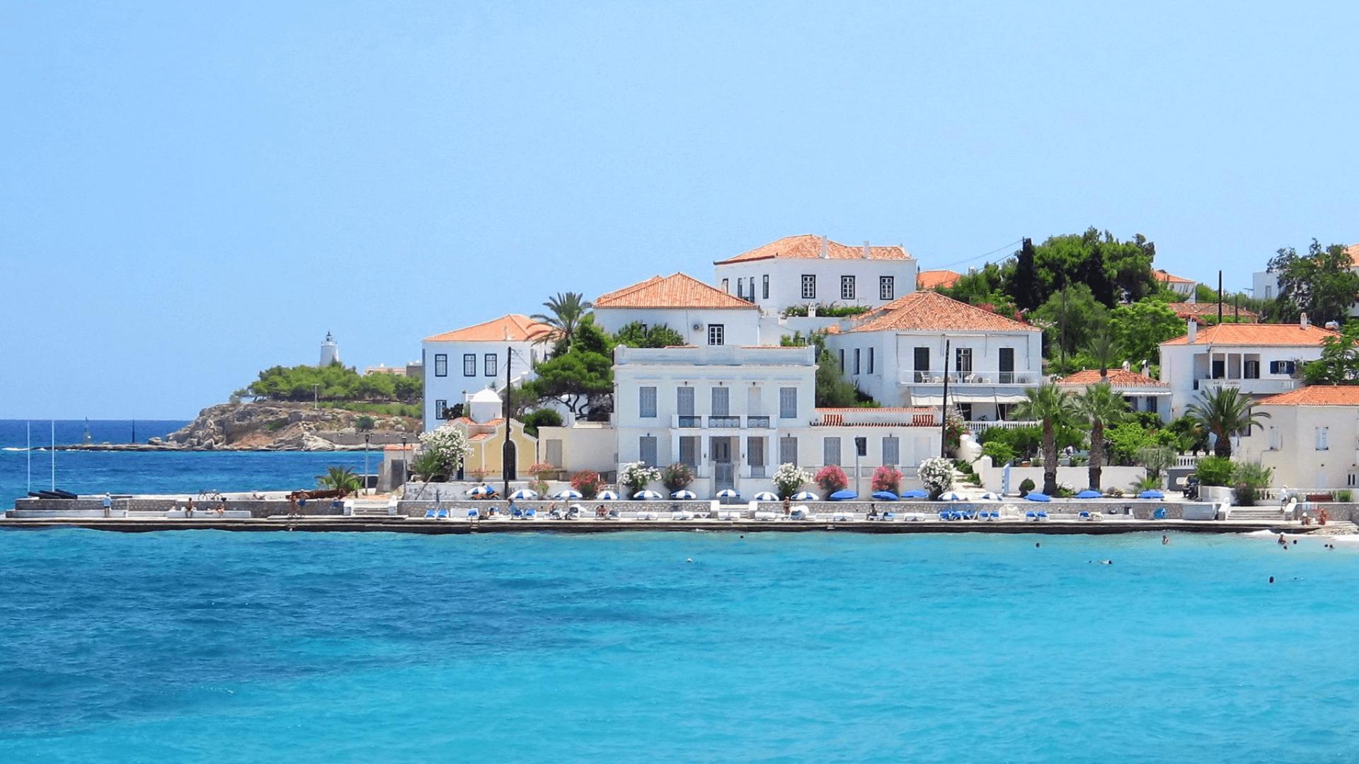Yunanistan'da Yelkenli ile Gidebileceğiniz En Güzel Adalar