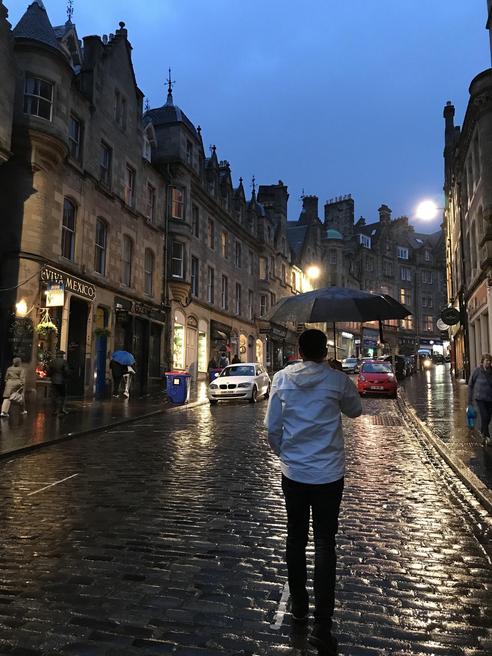 Bir Kuzey Başkenti Edinburgh